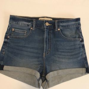 JEAN shorts: Garage size 7